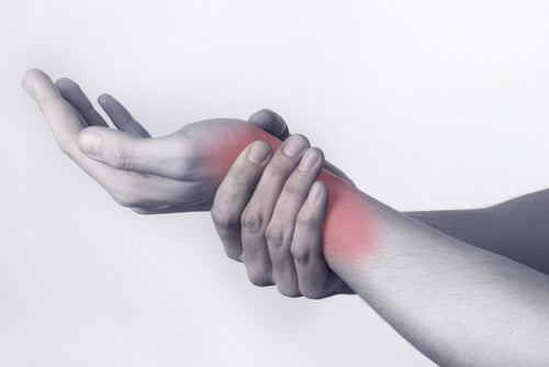 артритът засяга по-често жените