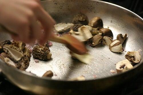 към готвенето на гъби трябва да се подхожда с внимание