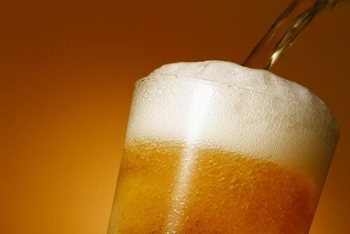 Алкохолните напитки са висококалорични