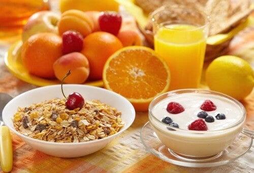 Коя е най-лесната и здравословна закуска?