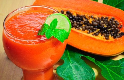 вкусната папая топи мазнините
