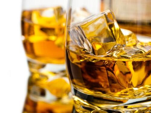 алкохолните напитки увреждат черния дроб