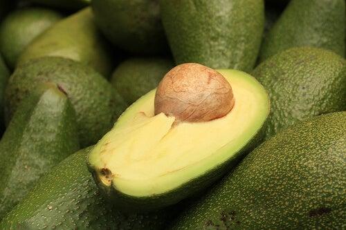 Авокадото е подходяща храна за черния дроб