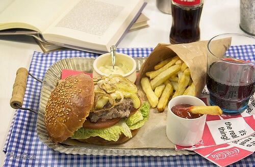бързите храни увреждат черния дроб