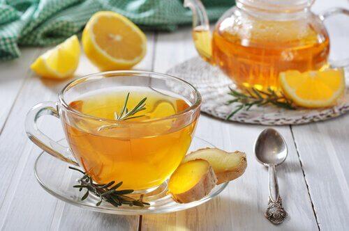 възпаленото гърло се лекува с джинджифилов чай