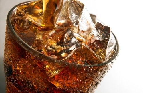 газираните напитки за вредни за бъбреците ви