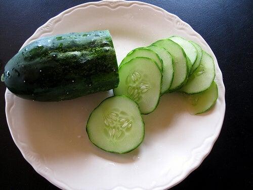 краставицата е много богата на калий, желязо, калций, фосфор и магнезий