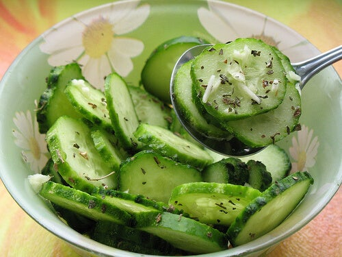 краставицата подпомага функцията на червата