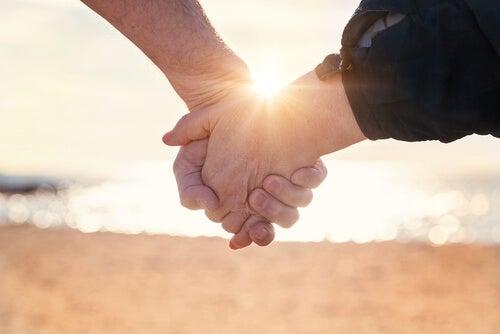 любовта не е достатъчна, за да е щастлива връзката ни