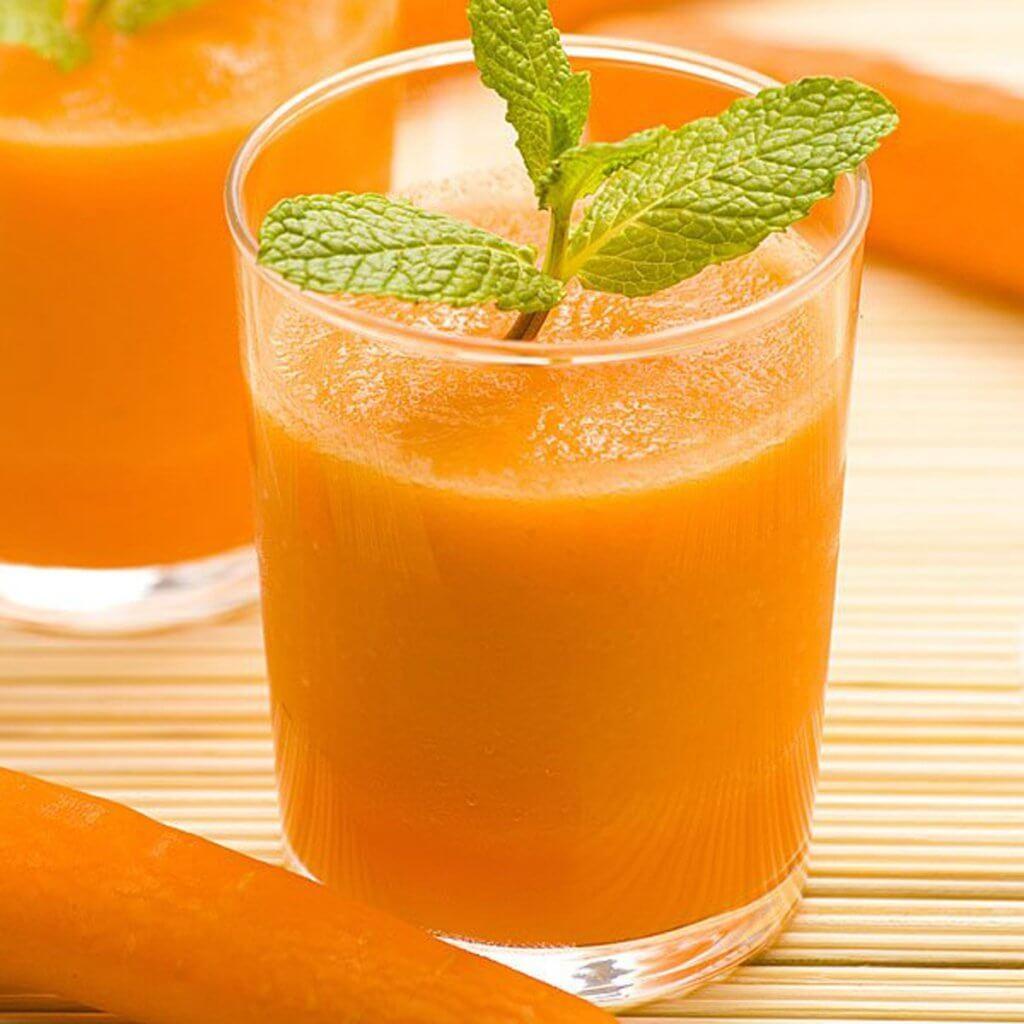 сок от моркови с мента против възпаленото гърло
