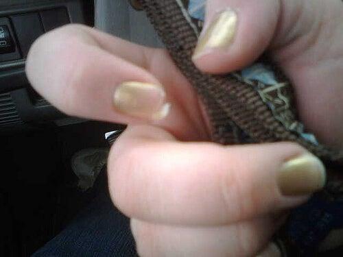 запазете ноктите си здрави с крем-заздравител