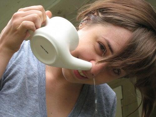 прочиствайте носните кухини,, за да постигнете по-чисти бели дробове