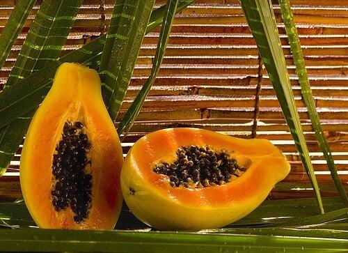 папая като лек за напукани пети