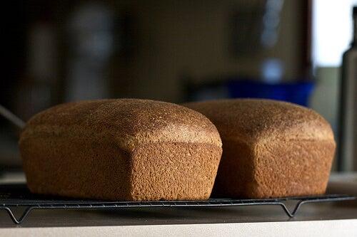 за лечение на ендометриоза е добре да консумирате хляб без глутен