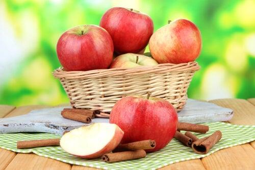 ябълките са сред най-добрите плодове за елиминиране на токсините