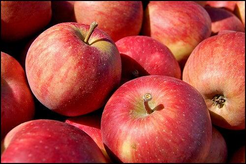 ябълки за естествено отслабване