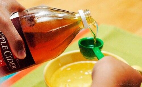ябълков оцет като средство за защита против загубата на коса