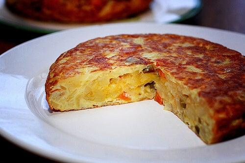 вкусна тортила с яйца и зеленчуци