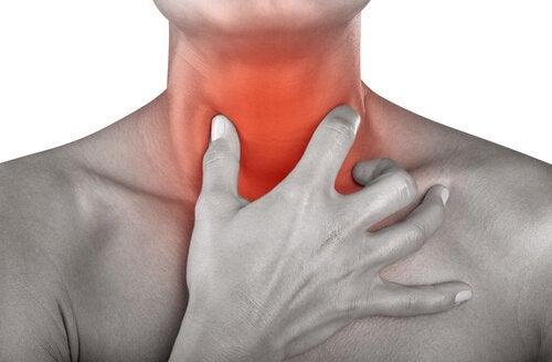 Сокове и чайове срещу възпаленото гърло