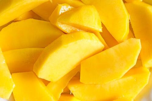 мангото съдържа витамин В