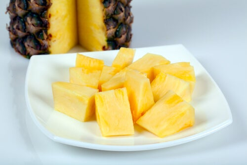нарязан ананас