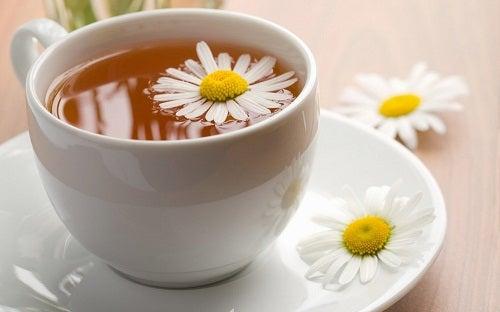 Пийте отпускащи билкови чайове