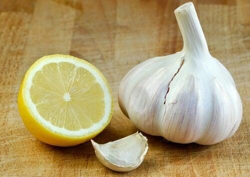 лечение с чесън и лимон