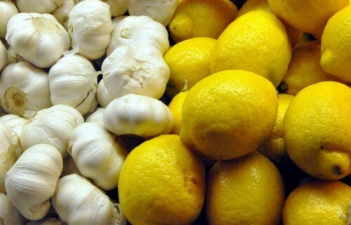 Чесън и лимон