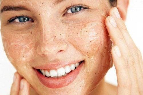 ексфолирайте кожата си