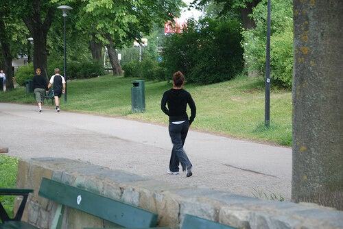 Защо да правите сутрешна разходка?