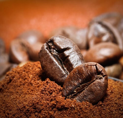 кафето има специфичен аромат, който премахва лошите и неприятни миризми от къщата