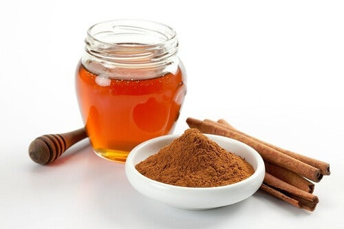 7 ползи от консумацията на канела и мед