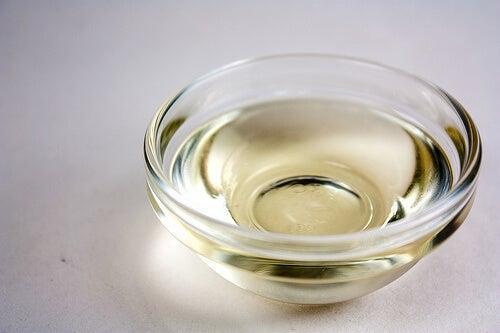 рициновото масло е известно с лечебните си свойства от векове