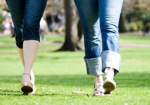 Ползите от 30-минутна сутрешна разходка