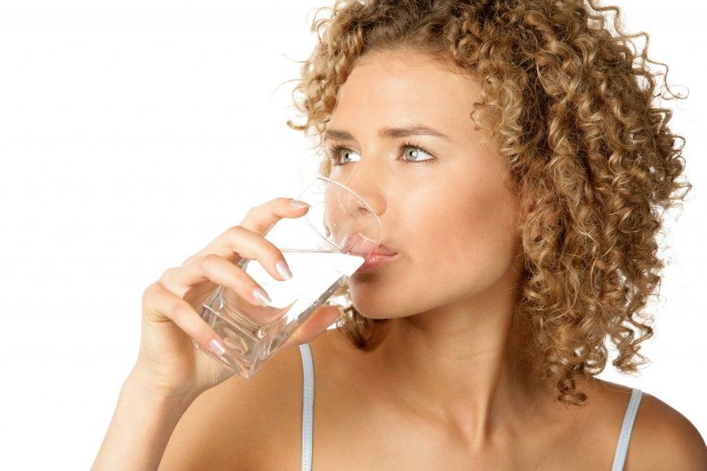 Добре да се пие топла вода или поне вода на стайна температура.