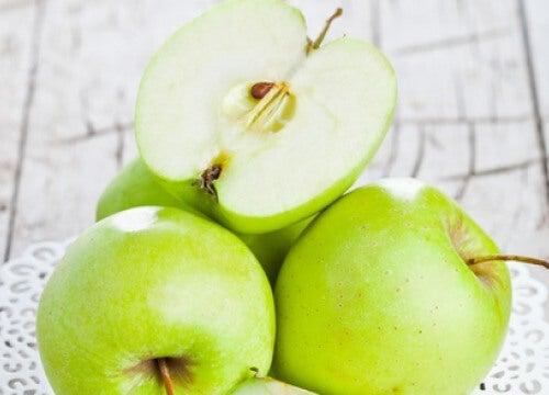 Сок от праскови и ябълки за борба с безсънието