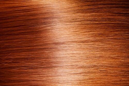 боите и загубата на коса