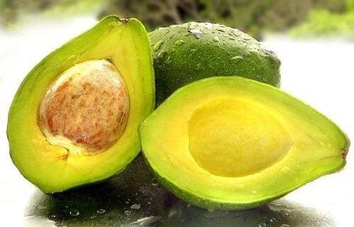 авокадо за по-плътни мигли