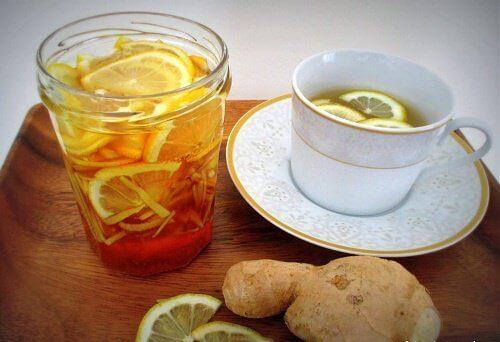 натурални напитки с лимон и джинджифил