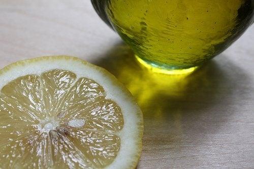 Еднасупена лъжица зехтин с лимон сутрин запречистването на бъбреците