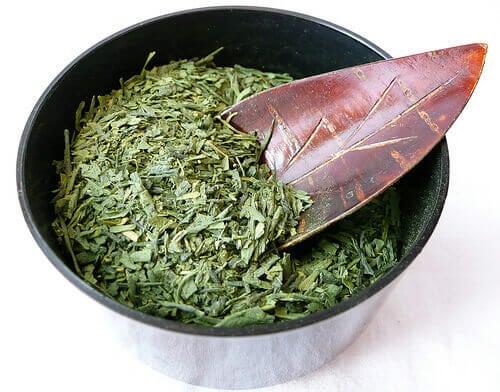 Зелен чай в комбинация с джинджифил и канела