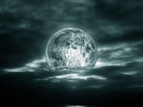 Как влияе Луната на настроението и живота ни?
