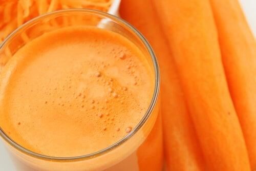 шейк от портокали и моркови като лечебно средство на високо кръвно налягане