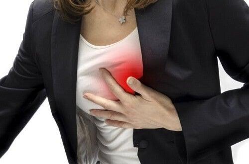 Симптоми на сърдечния удар при жените