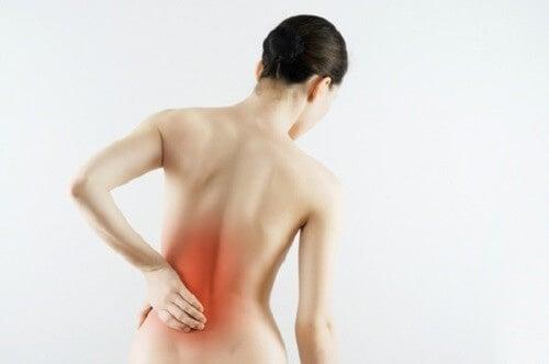 Острата болка в горната част на тялот може да е симптом на сърдечен удар..