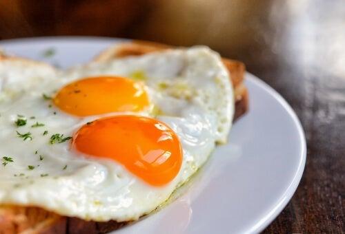 яйцата засищат глада