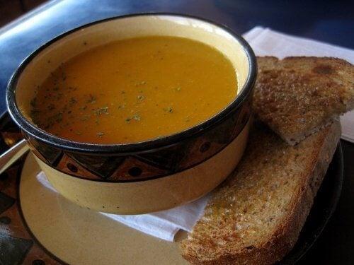 supa s morkovi