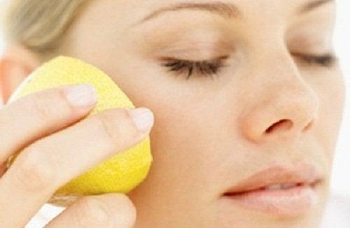 лимонов сок срещу кожните петна