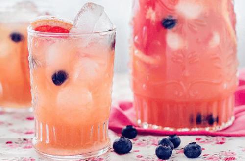 Сок от грейпфрут и боровинки за добро кръвообръщение на краката.