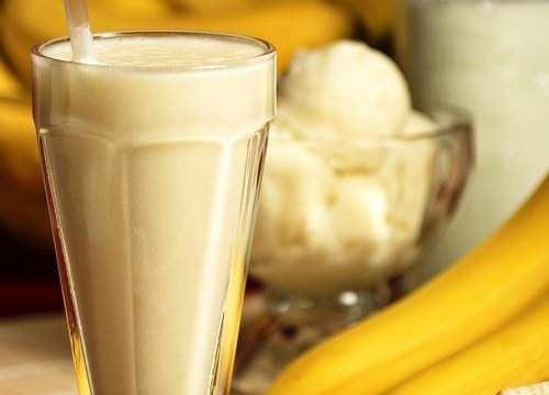 бананови смутита против задържане на течности